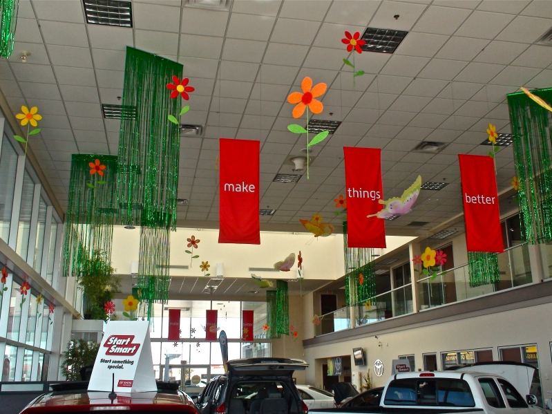 Car showroom decorations bubblz for Automobile decorations home